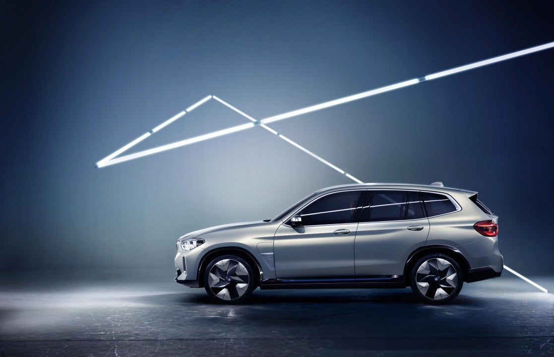 BMW Concept iX3-lateral