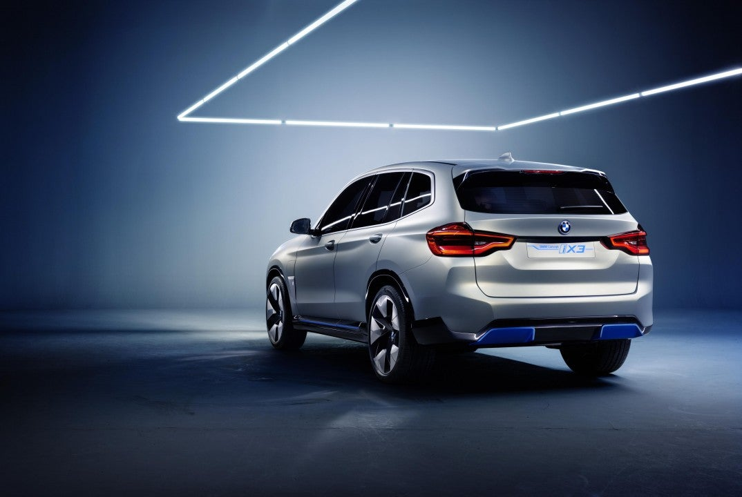 BMW Concept iX3-trasera