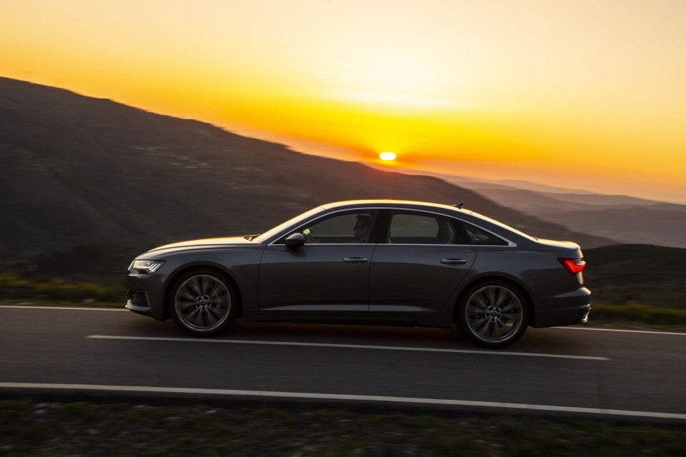 Audi A6 55 TFSI quattro S tronic-lateral