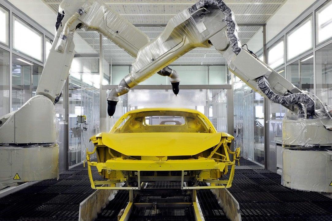 Ferrari es el primero en el mundo en presentar el nuevo sistema de pintura a baja temperatura