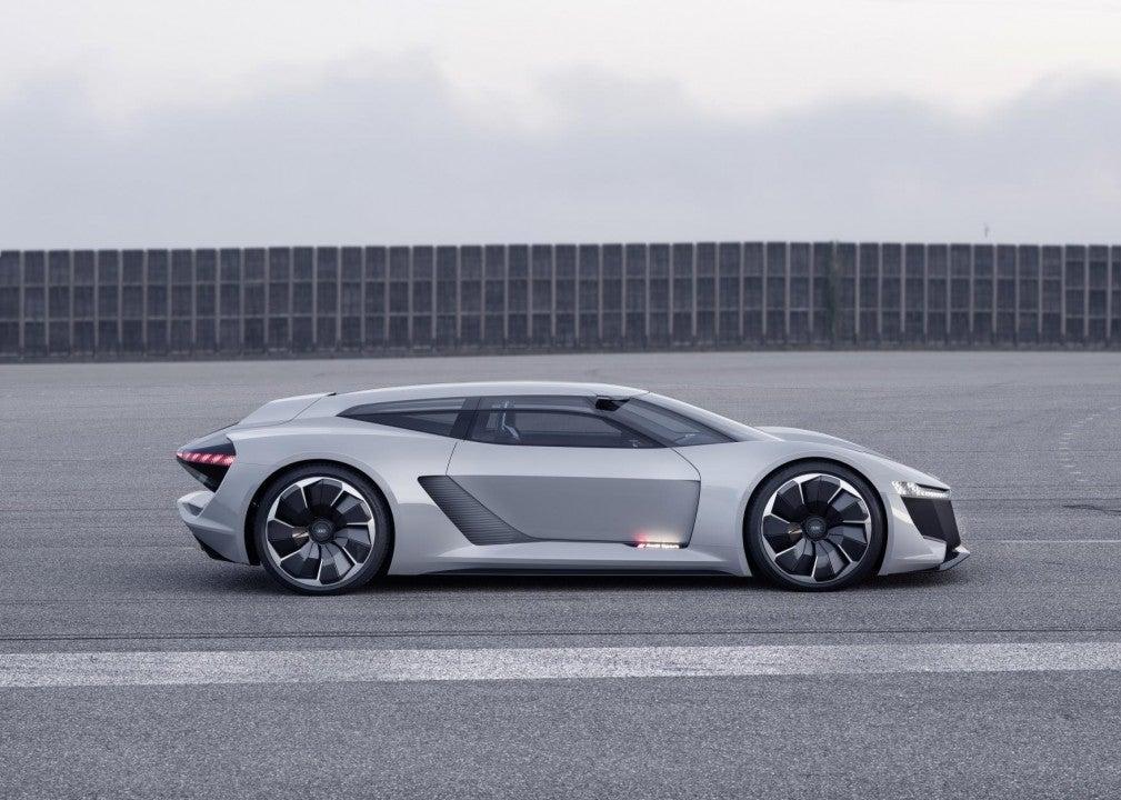 Audi PB18 e-tron concept car-lateral
