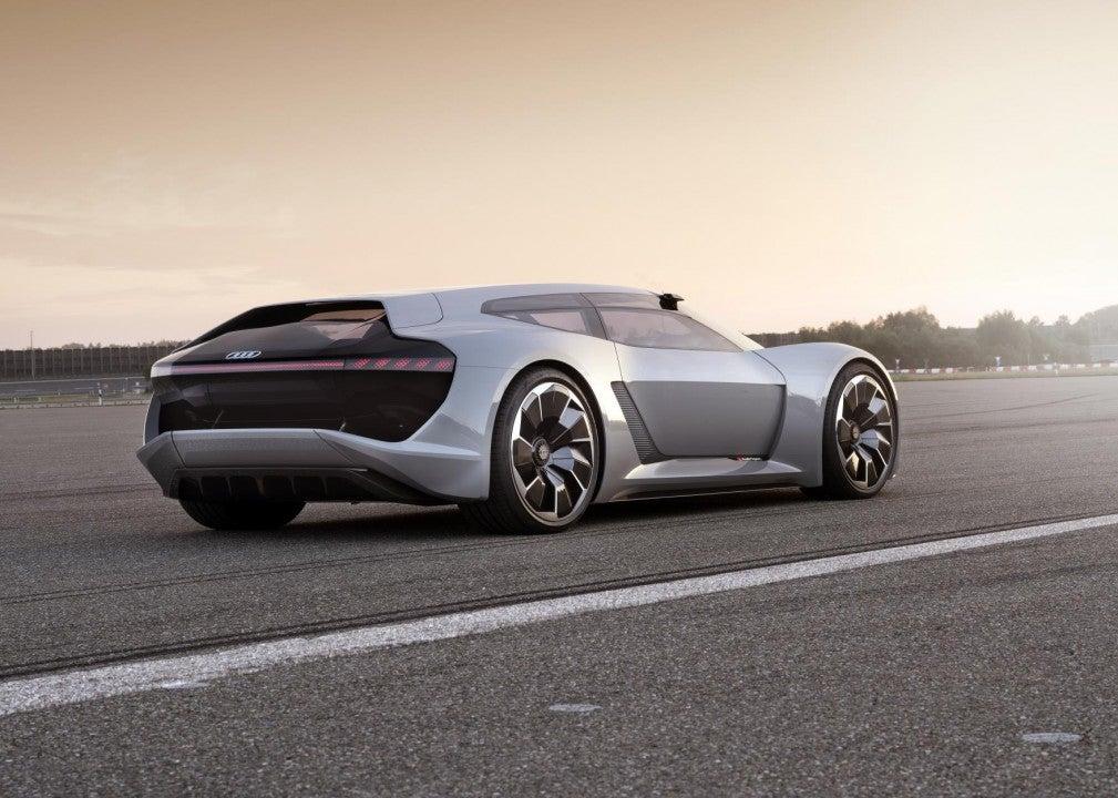 Audi PB18 e-tron concept car-trasera