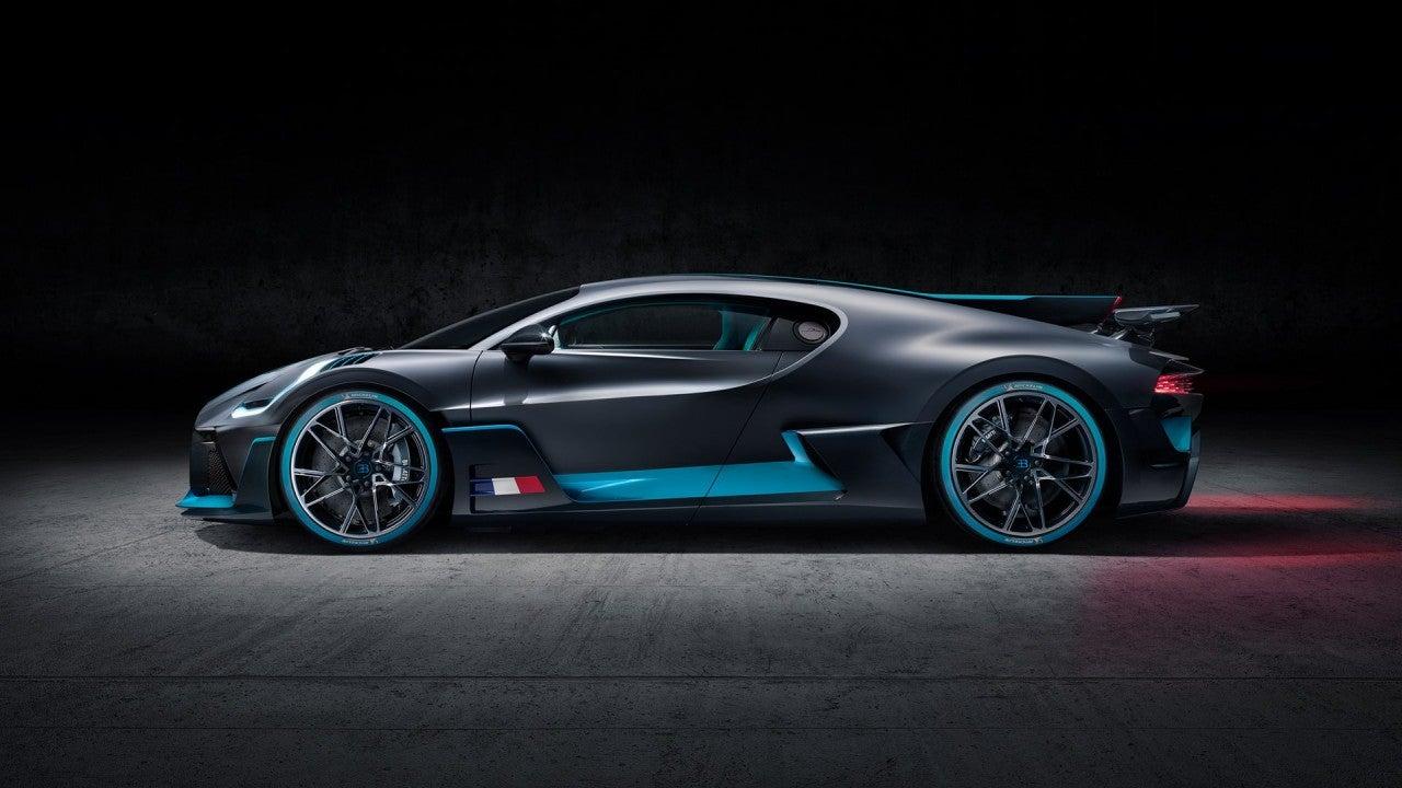Bugatti Divo-lateral