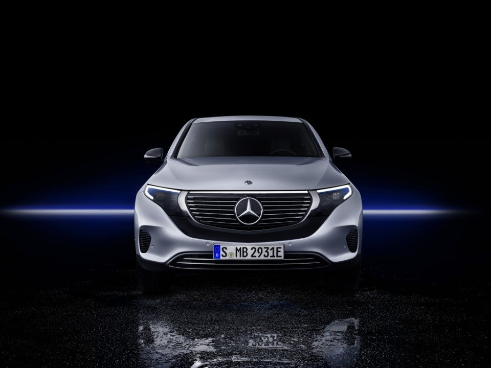 Nuevo Mercedes-Benz EQC 400 4MATIC-frontal