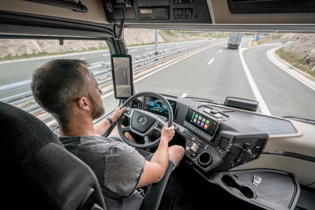 Nuevo Mercedes-Benz Actros 2018MirrorCam