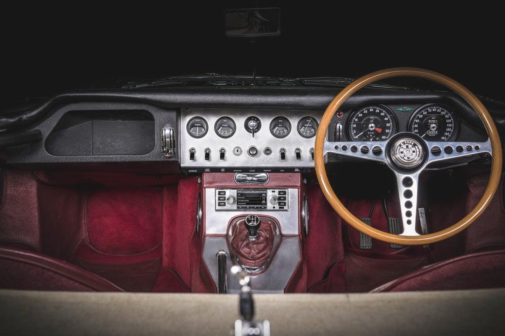 aguar Land Rover Classic lleva el infoentretenimiento