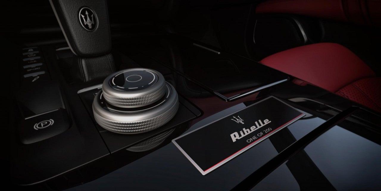 Maserati Ghibli Ribelle-interior