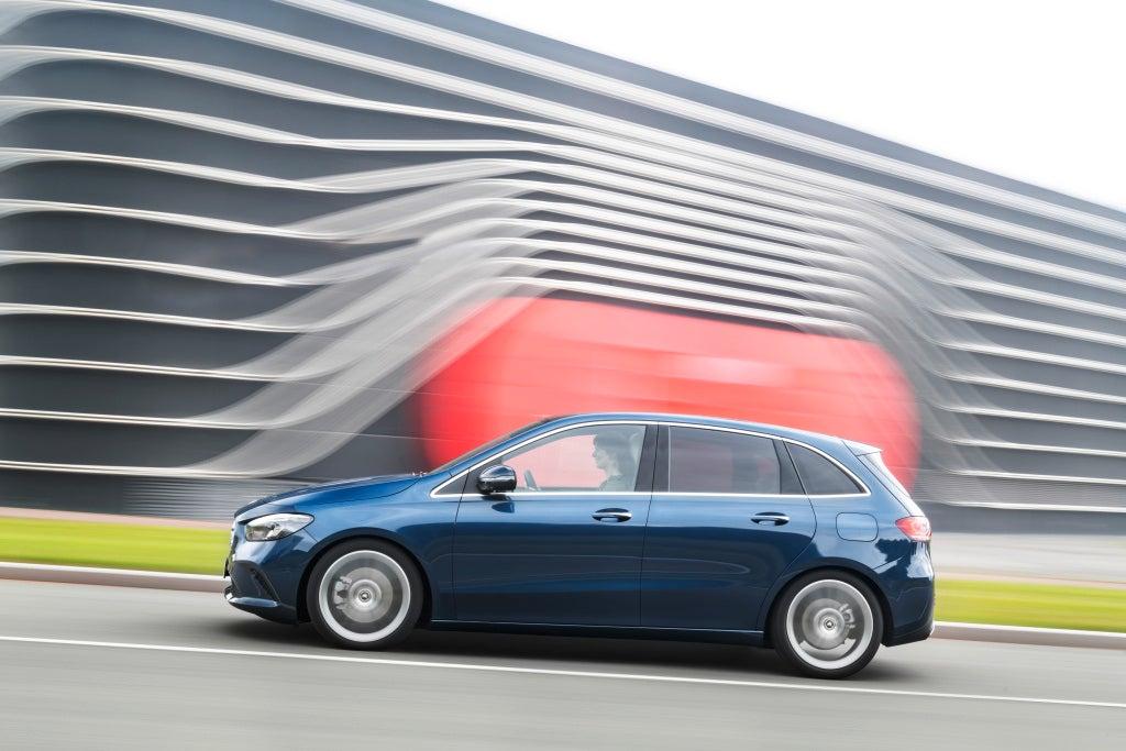Nuevo Clase B de Mercedes-Benz-lateral