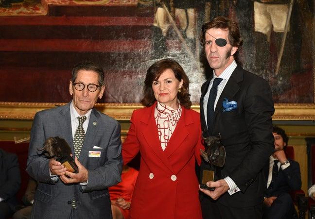 Carmen Calvo entrega el premio ATP a Andrés Vázquez y Juan José Padilla