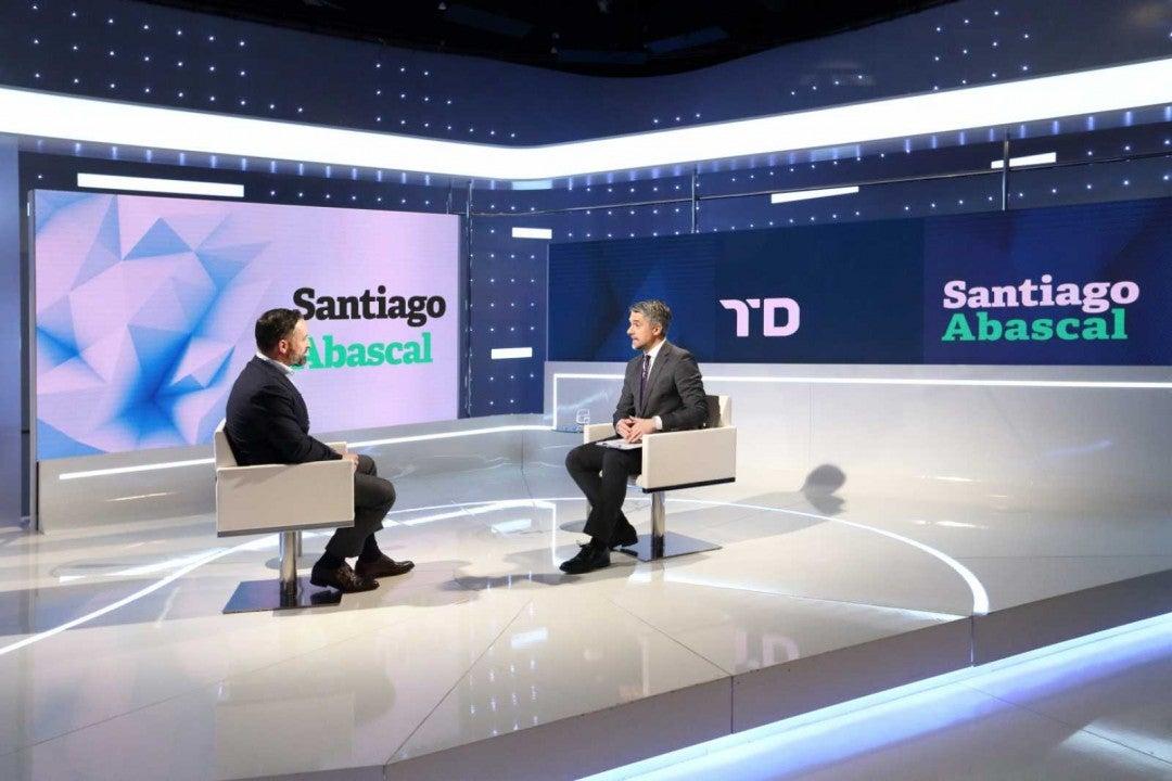 Santiago Abascal durante su entrevista en TVE con Carlos Franganillo
