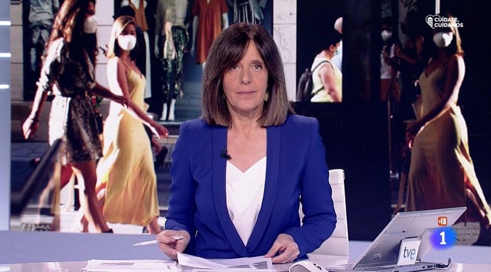 Ana Blanco presentando el Telediario de TVE