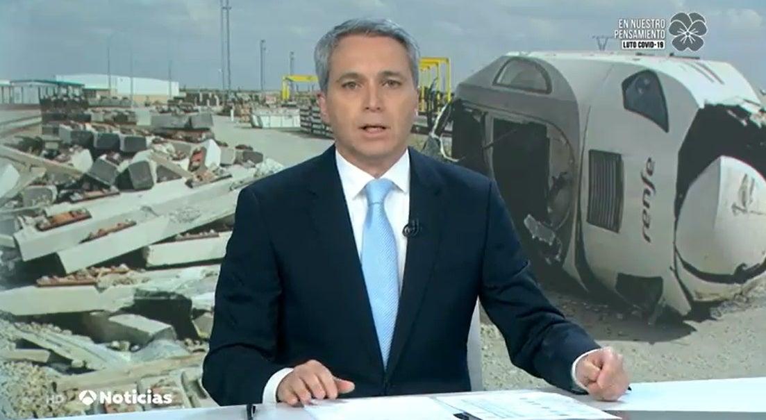 Vicente Vallés presentando Antena 3 Noticias 2