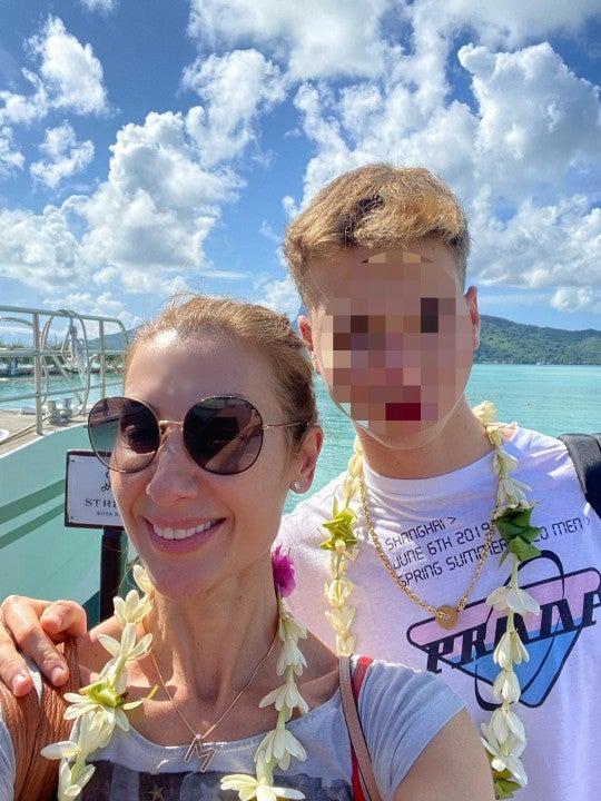 Mónica Pont y su hijo