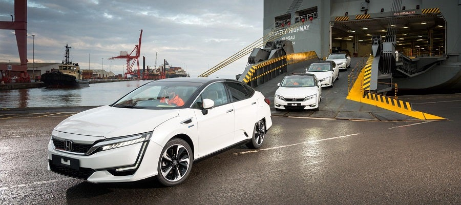 First_Honda_Clarity_Fuel_Cell_Arrives_in_Europe2