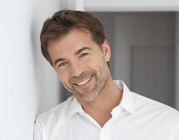La importancia de la sonrisa como carta de presentaci n esdiario - Como alinear los dientes en casa sin brackets ...