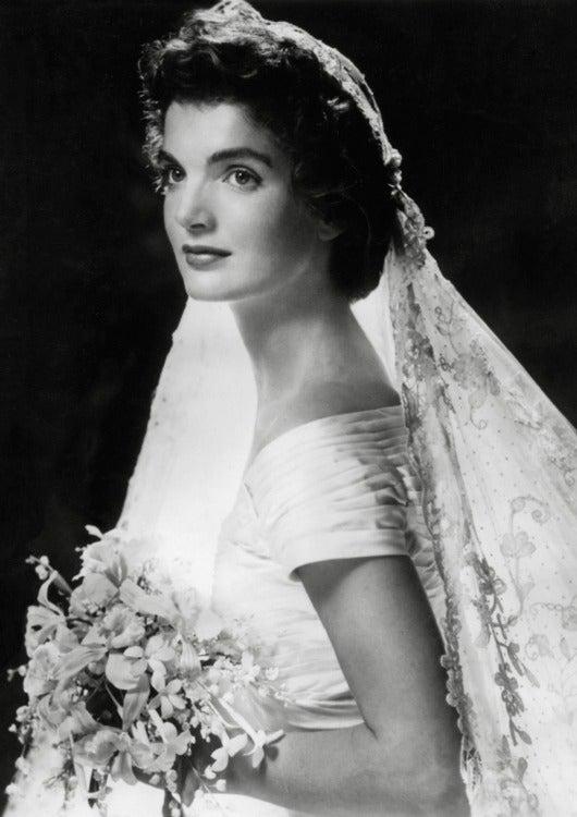 El vestido de novia de Jackie Kennedy cumple 63 años como icono de ...