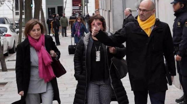 La opinión pública española cree mayoritariamente que se tienen bien merecido estar en prisión provisional, por más que el independentismo se invente lo que piensan o no los ciudadanos.