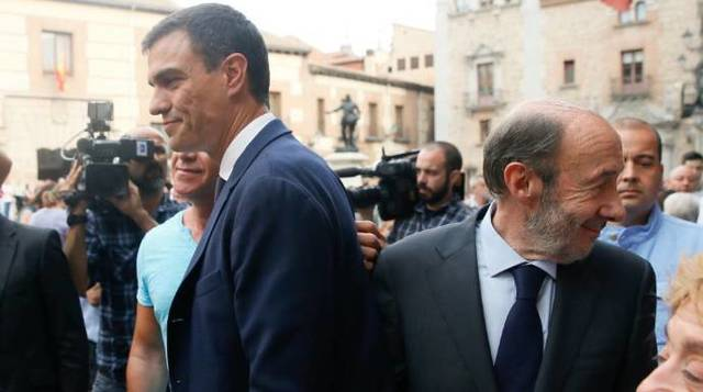 Pedro Sánchez y Alfredo Pérez Rubalcaba, una relación completamente rota.