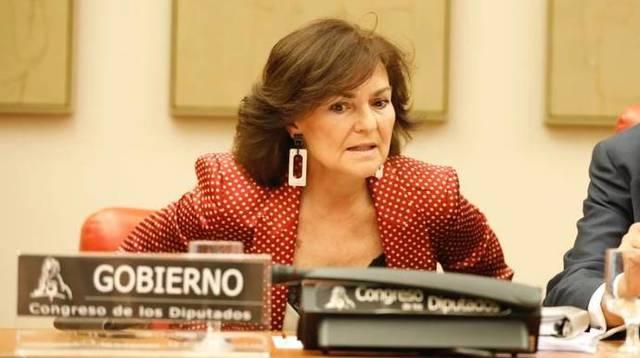La vicepresidenta Carmen Calvo, en su debut ante la Comisión Constitucional del Congreso de los Diputados.