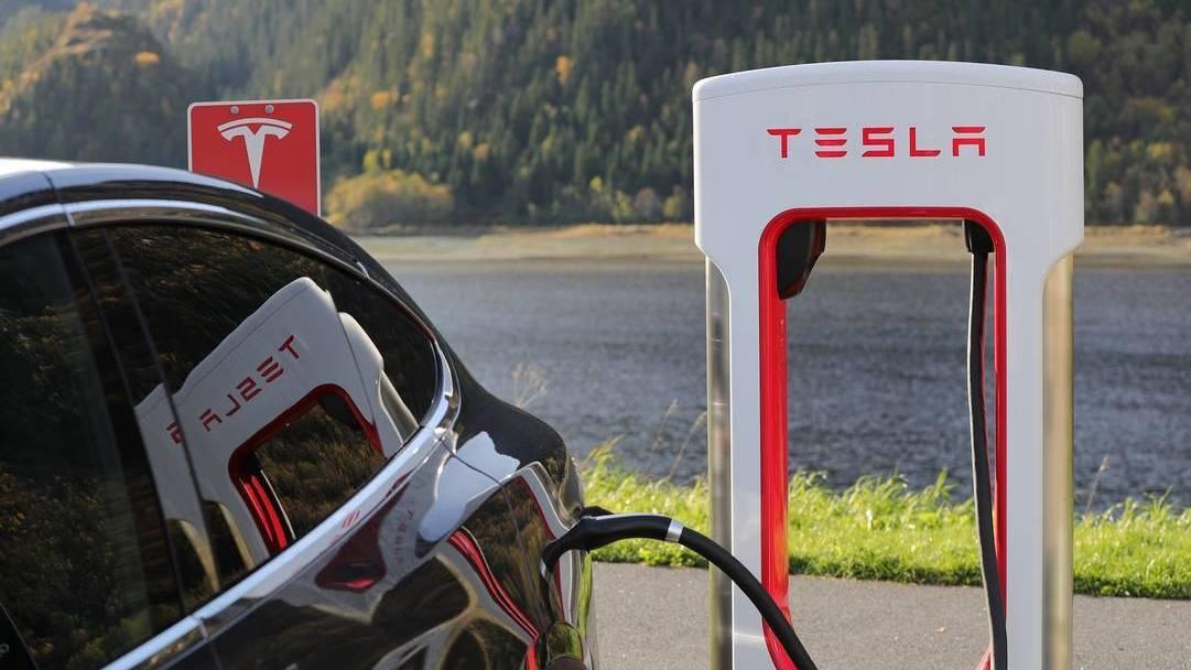 Las ventas de vehículos eléctricos caen en agosto