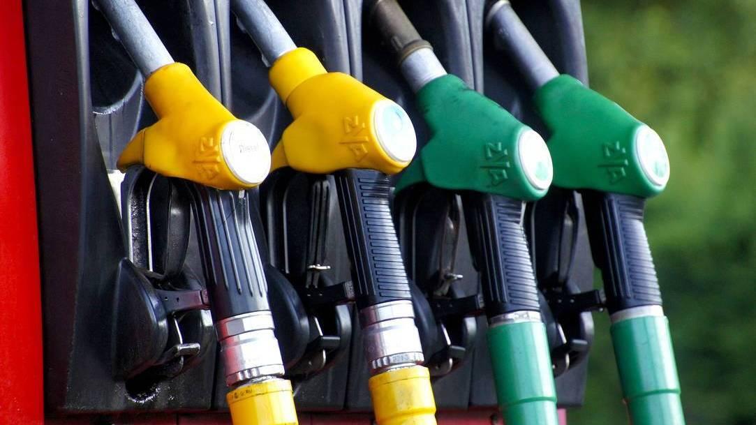 ACEA dice venta de coches gasolina y eléctricos suben y cae la de los diesel
