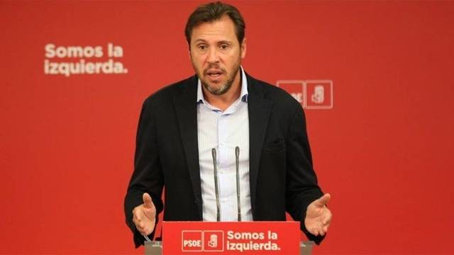 El portavoz del PSOE pierde los nervios e insulta gravemente a Rivera y a los periodistas