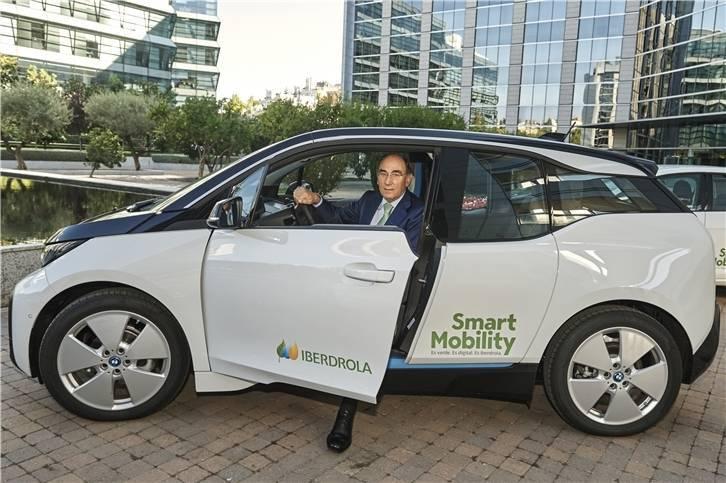 Iberdrola instalará más de 200 estaciones de recarga rápida cada 100 Km