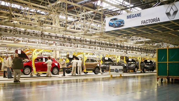 Renault fabricará los Captur y Megane híbridos en España