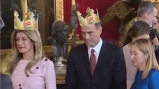 Sanches y señora se cuelan en el Besamanos Real bilaketarekin bat datozen irudiak