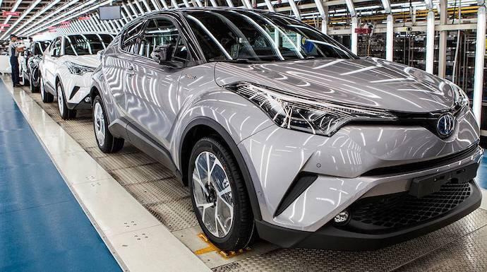 Toyota Motor revisa al alza sus previsiones tras un buen semestre