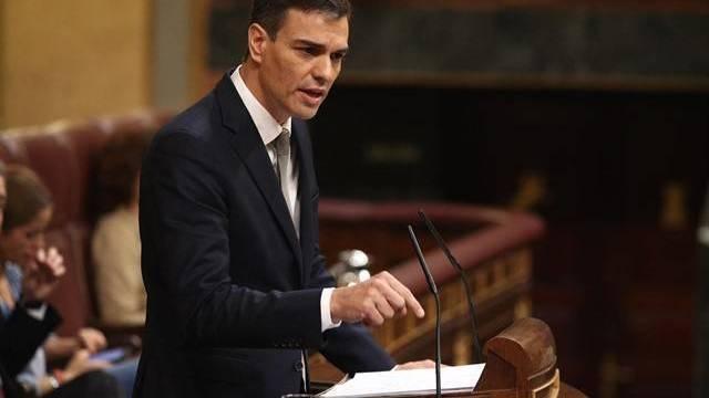 Sánchez dice que su `decretazo` contra las hipotecas es para frenar el populismo
