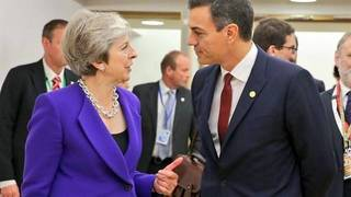 Theresa May y Pedro Sánchez