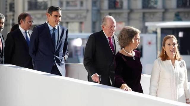 El verdadero CIS de Sánchez: espectacular abucheo en el Congreso y aplausos a Rajoy y a Felipe