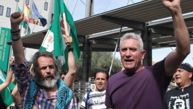 La extrema izquierda se organiza ya para incendiar las calles en Andalucía