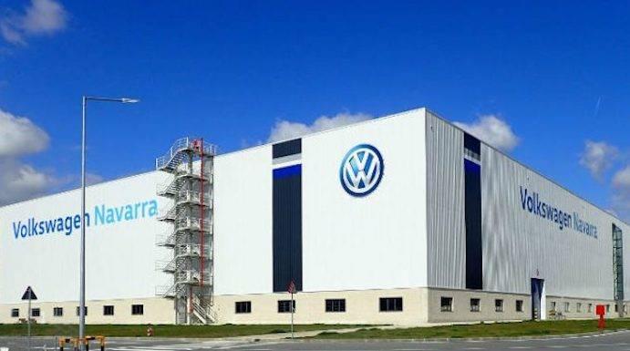 Volkswagen pelea por un tercer modelo para Landaben