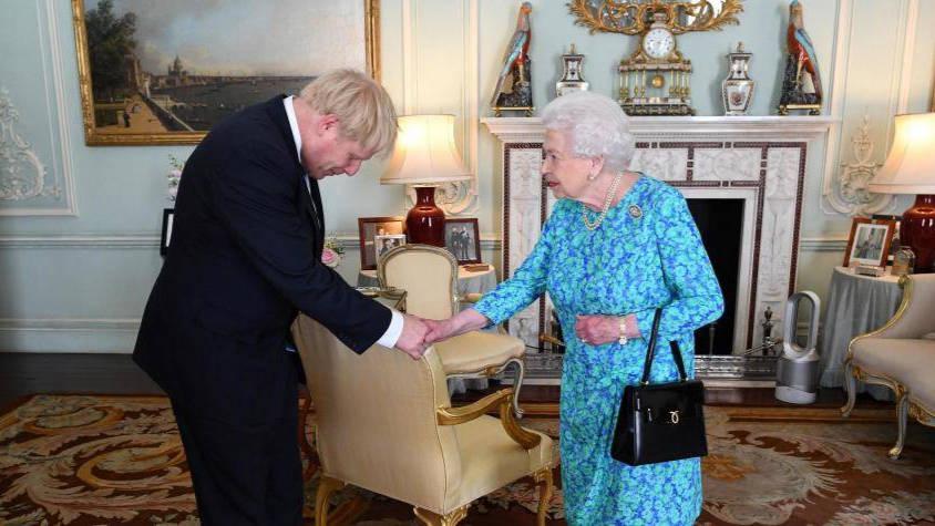 El cerrojazo del Parlamento instigado por Boris Johnson incendia Gran Bretaña