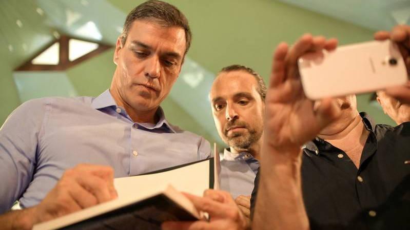 Financial Times avisa a Sánchez de que su «arrogancia» puede ser su tumba el 10-N