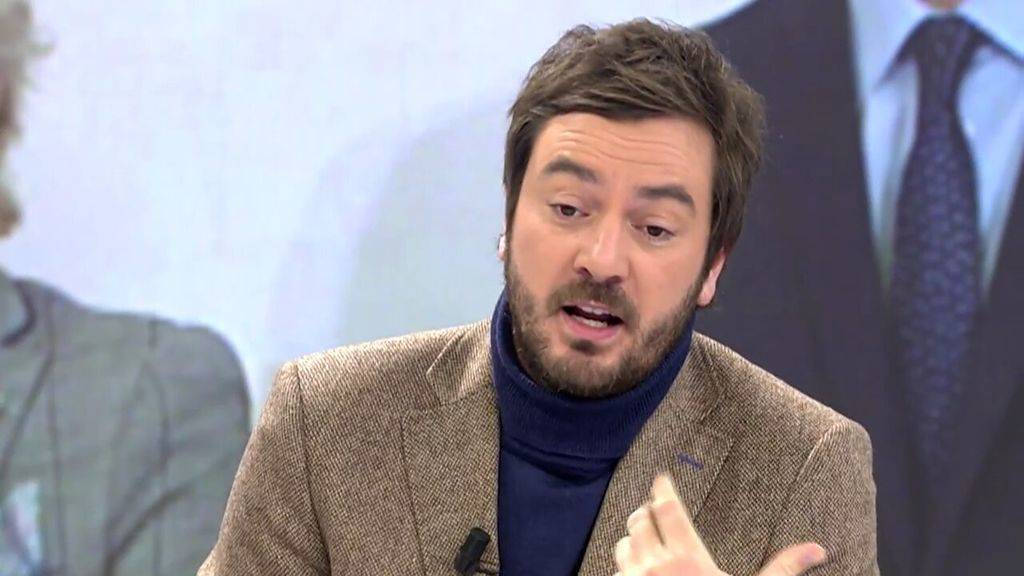Jorge Bustos estalla contra el «abrazo de la vergüenza» e incendia Twitter