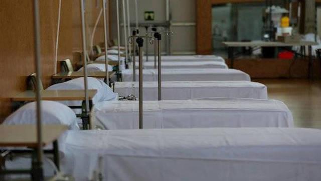 Sanidad estudia trasladar pacientes entre comunidades por la saturación de UCI