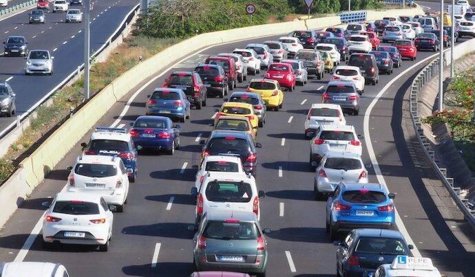 España suma casi 3 millones de coches más en los últimos 5 años