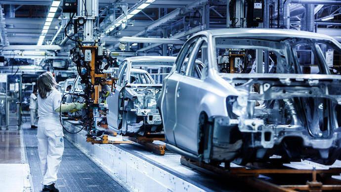 Los fabricantes de coches afrontan 11.000 millones de pérdidas