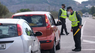 Controles de la Guardia Civil en las carreteras.