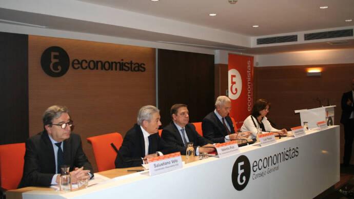 Los economistas confían en un crecimiento del PIB de hasta el 5,7%