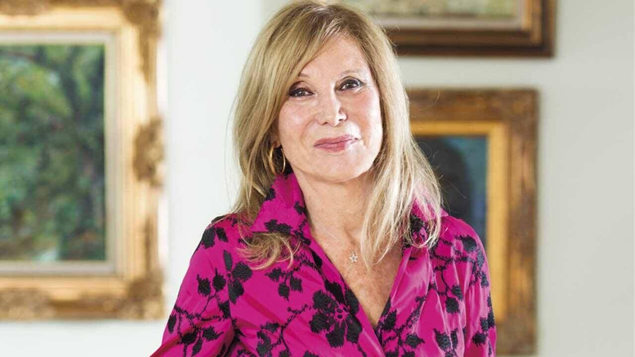 Pilar Eyre habla de las «amigas» que visitan a Don Juan Carlos: no son sus hijas